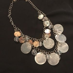 Jewelry - Tan and white double layer shell choker
